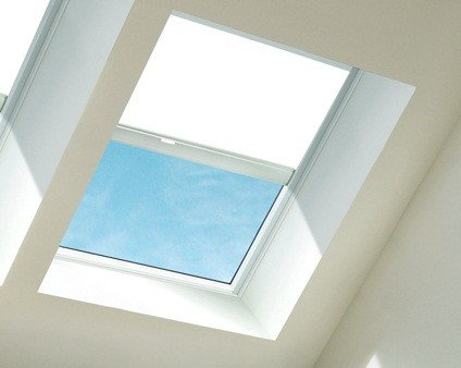 Velux fcm skylight manual blind dkc rfc pac Velux skylight shade