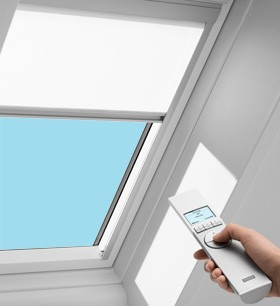 Electric blinds for velux vce skylights dmc and rmc for Velux solar powered blinds